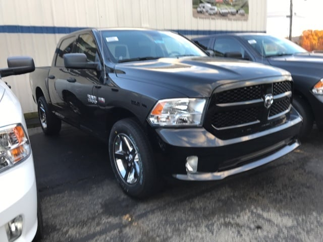 2018 Ram 1500 Crew Cab 4x4, Pickup #W8058 - photo 3