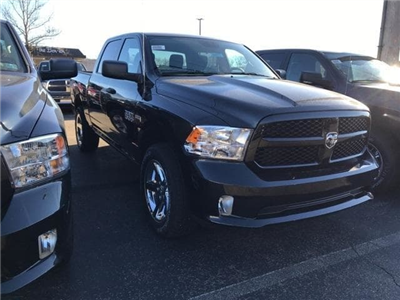 2018 Ram 1500 Crew Cab 4x4 Pickup #W8070 - photo 3