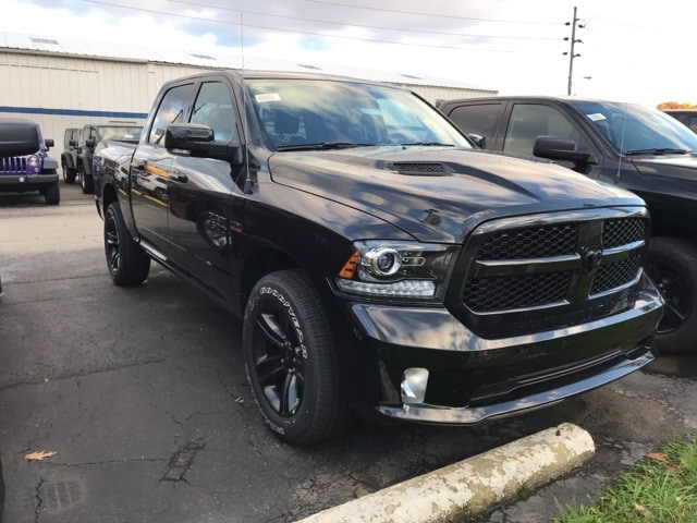 2018 Ram 1500 Crew Cab 4x4 Pickup #W8071 - photo 3