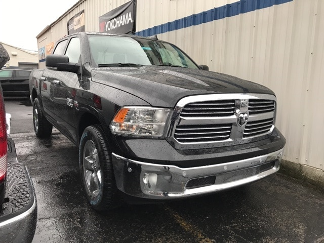 2018 Ram 1500 Crew Cab 4x4 Pickup #W8133 - photo 3