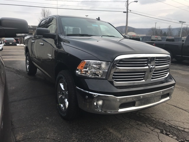 2018 Ram 1500 Crew Cab 4x4, Pickup #W8151 - photo 3