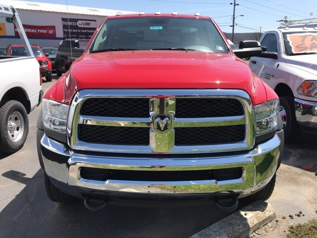 2018 Ram 5500 Regular Cab DRW 4x4,  Cab Chassis #W8199 - photo 4