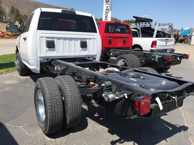 2018 Ram 3500 Regular Cab DRW 4x4,  Cab Chassis #W8215 - photo 2