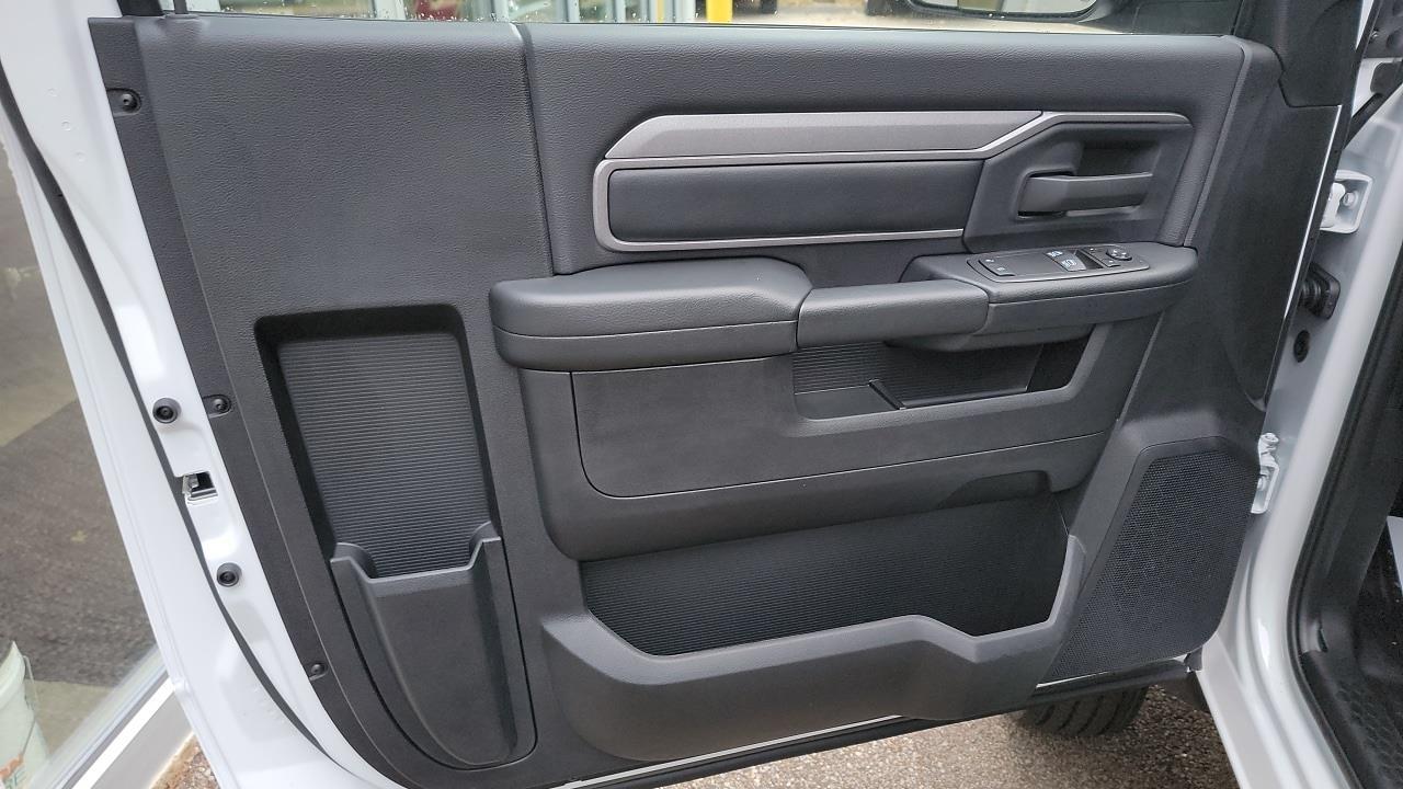 2021 Ram 5500 Regular Cab DRW 4x4,  Cab Chassis #MG699151 - photo 6