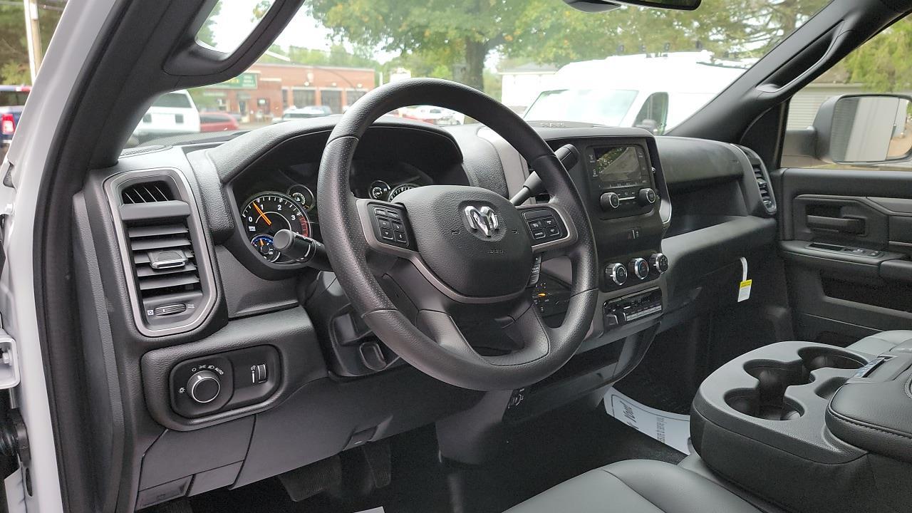 2021 Ram 5500 Regular Cab DRW 4x4,  Cab Chassis #MG699210 - photo 8