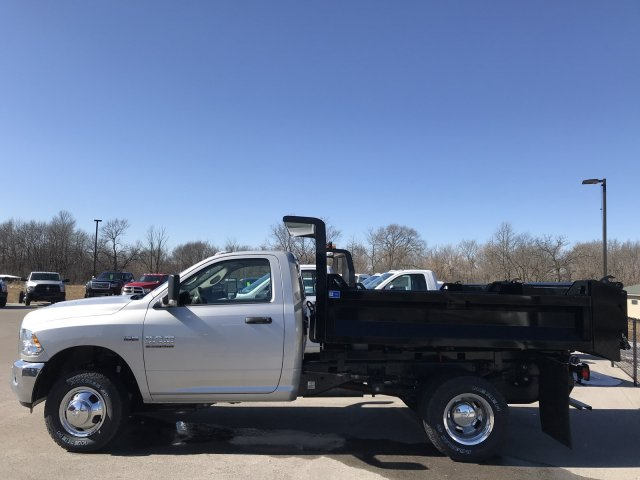 2018 Ram 3500 Regular Cab DRW 4x4, Dump Body #8T76 - photo 15