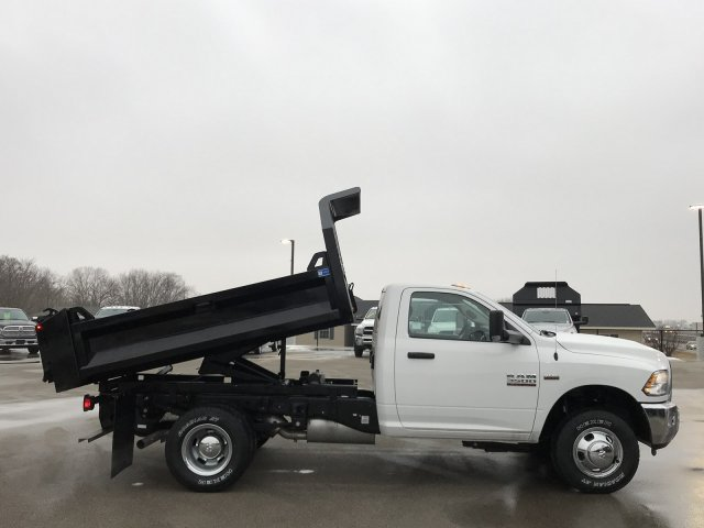 2018 Ram 3500 Regular Cab DRW 4x4,  Knapheide Dump Body #8T77 - photo 4