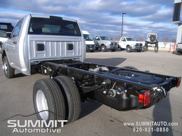 2018 Ram 3500 Regular Cab DRW 4x4, Cab Chassis #8T82 - photo 2