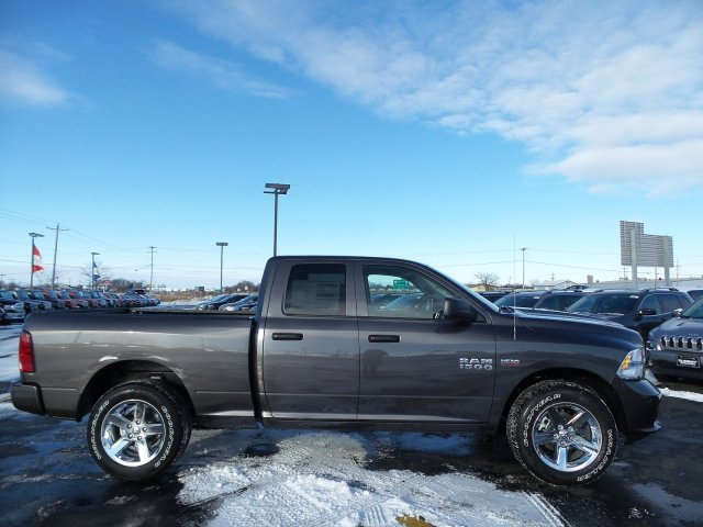 2018 Ram 1500 Quad Cab 4x4 Pickup #8T85 - photo 13