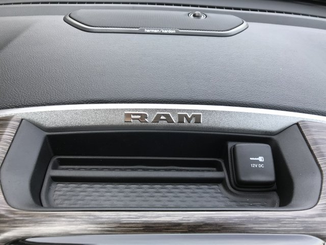 2019 Ram 1500 Crew Cab 4x4, Pickup #9T13 - photo 9