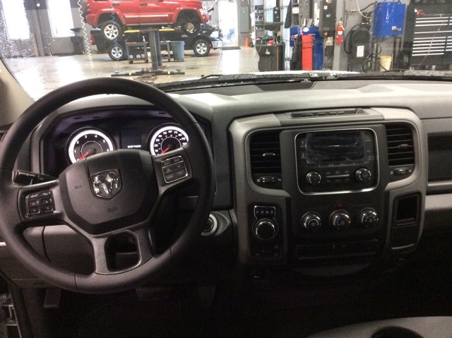 2019 Ram 1500 Crew Cab 4x4,  Pickup #R19169 - photo 11