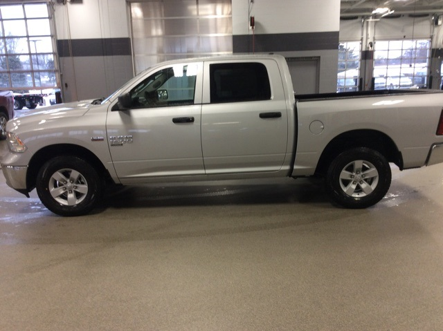 2019 Ram 1500 Crew Cab 4x4,  Pickup #R19169 - photo 5