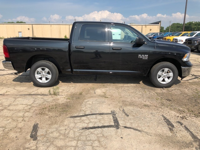 2019 Ram 1500 Crew Cab 4x4,  Pickup #R19172 - photo 8