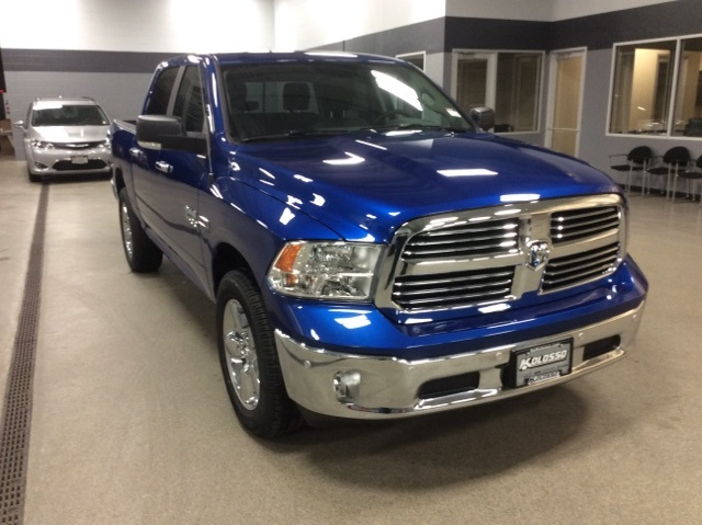 2017 Ram 1500 Crew Cab 4x4, Pickup #R3905 - photo 3