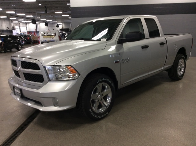 2017 Ram 1500 Quad Cab 4x4, Pickup #R3911 - photo 4