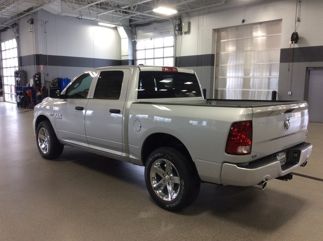 2017 Ram 1500 Crew Cab 4x4 Pickup #R6763 - photo 2