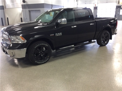 2018 Ram 1500 Crew Cab 4x4, Pickup #R8007 - photo 4