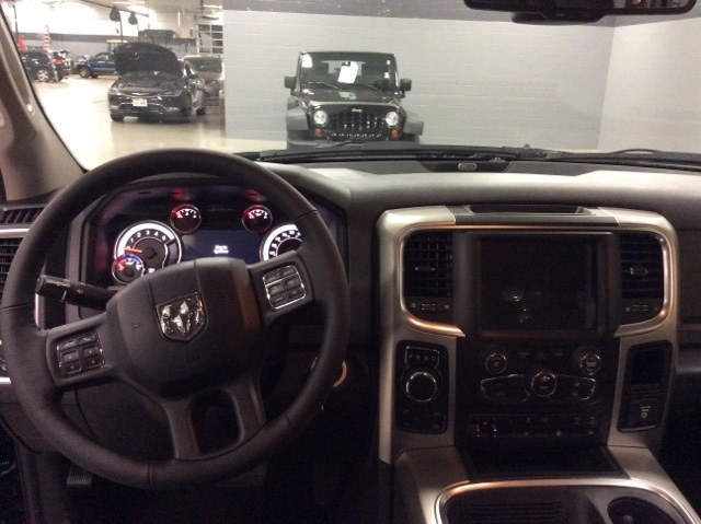 2017 Ram 1500 Crew Cab 4x4, Pickup #R8032 - photo 11