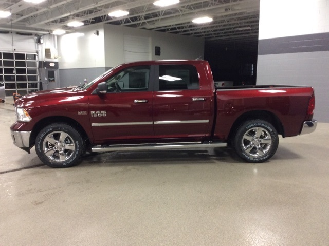 2018 Ram 1500 Crew Cab 4x4, Pickup #R8095 - photo 5