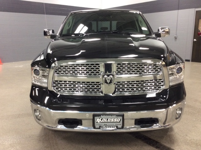 2018 Ram 1500 Crew Cab 4x4, Pickup #R8100 - photo 4