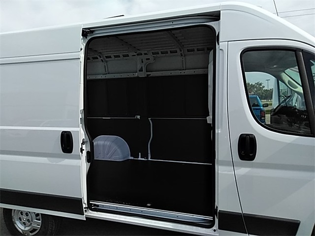 2018 ProMaster 2500 High Roof FWD,  Empty Cargo Van #R8121 - photo 12