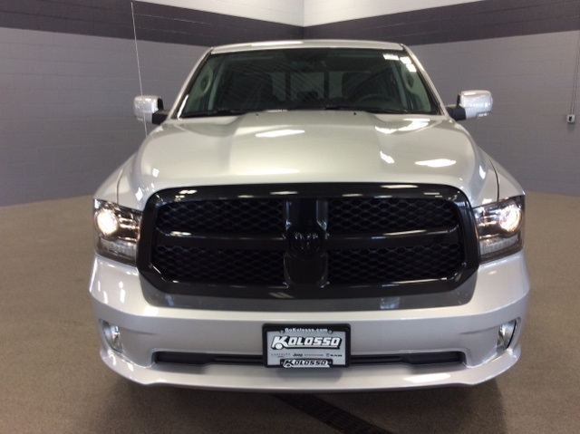 2018 Ram 1500 Crew Cab 4x4,  Pickup #R8145 - photo 3