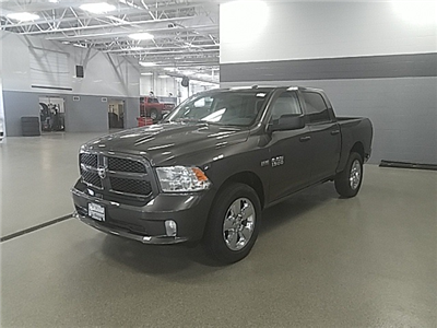 2018 Ram 1500 Crew Cab 4x4, Pickup #R8161 - photo 5