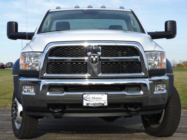 2017 Ram 5500 Regular Cab DRW 4x4, Cab Chassis #17199 - photo 15