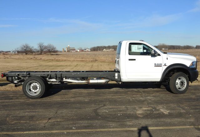 2017 Ram 4500 Regular Cab DRW 4x4, Cab Chassis #17463 - photo 14