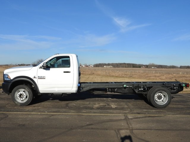 2017 Ram 4500 Regular Cab DRW 4x4, Cab Chassis #17463 - photo 17