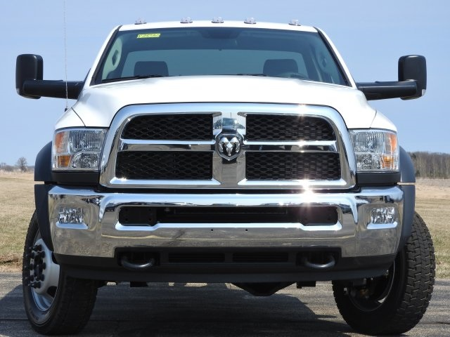 2017 Ram 5500 Regular Cab DRW 4x4, Cab Chassis #17570 - photo 16
