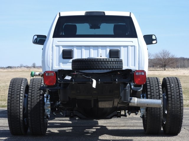 2017 Ram 5500 Regular Cab DRW 4x4, Cab Chassis #17570 - photo 19