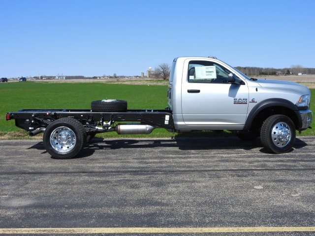 2017 Ram 5500 Regular Cab DRW 4x4 Cab Chassis #17632 - photo 11