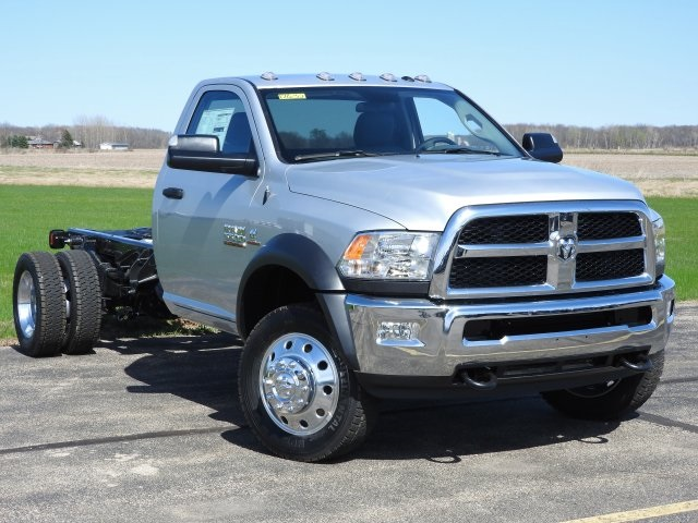 2017 Ram 5500 Regular Cab DRW 4x4 Cab Chassis #17632 - photo 12