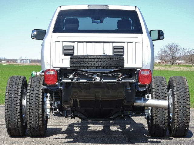 2017 Ram 5500 Regular Cab DRW 4x4 Cab Chassis #17632 - photo 16