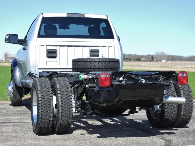 2017 Ram 5500 Regular Cab DRW 4x4 Cab Chassis #17632 - photo 2