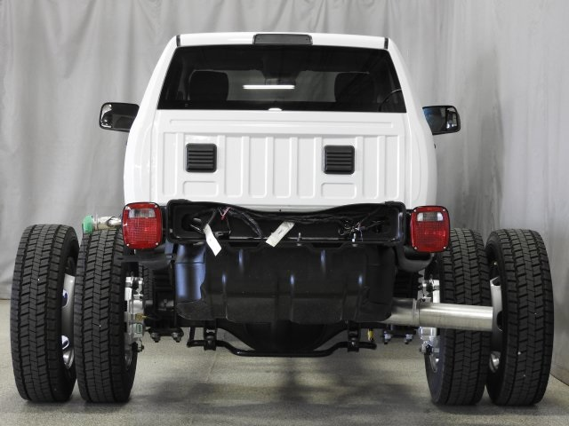 2017 Ram 5500 Regular Cab DRW 4x4 Cab Chassis #17941 - photo 19
