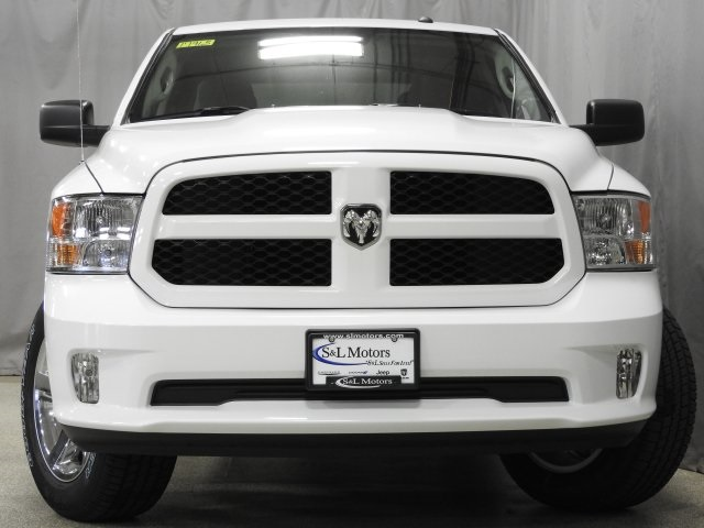 2017 Ram 1500 Crew Cab 4x4 Pickup #17965 - photo 18