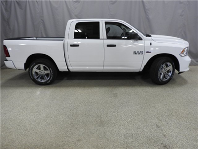 2017 Ram 1500 Crew Cab 4x4 Pickup #17965 - photo 16