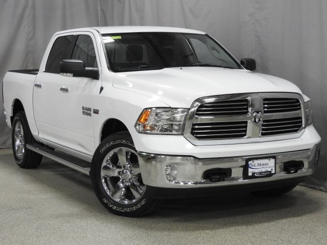 2018 Ram 1500 Crew Cab 4x4 Pickup #18072 - photo 19
