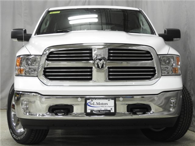 2018 Ram 1500 Crew Cab 4x4 Pickup #18072 - photo 20