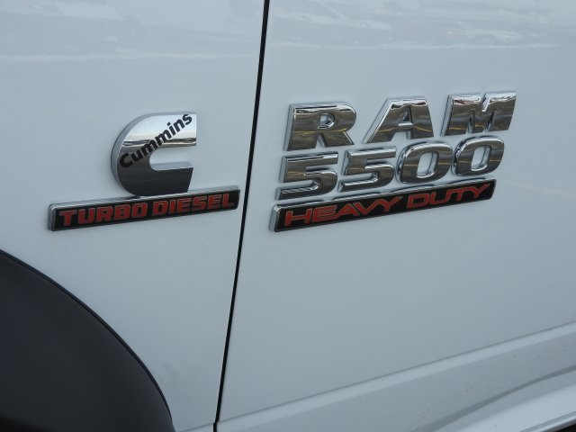 2018 Ram 5500 Regular Cab DRW 4x4, Cab Chassis #18124 - photo 11