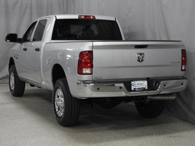 2018 Ram 3500 Crew Cab 4x4 Pickup #18144 - photo 2