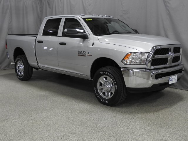 2018 Ram 3500 Crew Cab 4x4 Pickup #18144 - photo 20