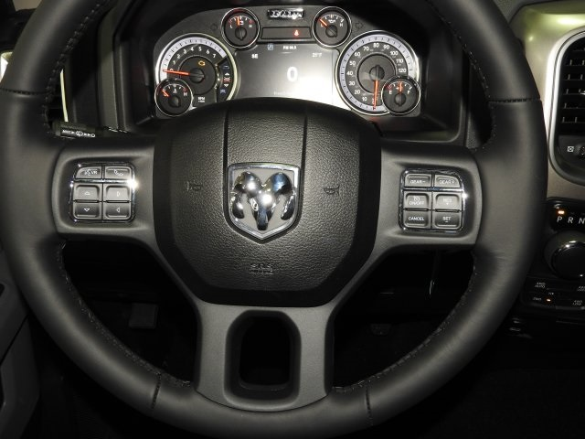 2018 Ram 1500 Crew Cab 4x4 Pickup #18217 - photo 9