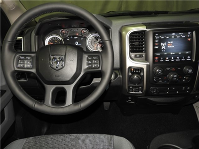 2018 Ram 1500 Crew Cab 4x4 Pickup #18217 - photo 4