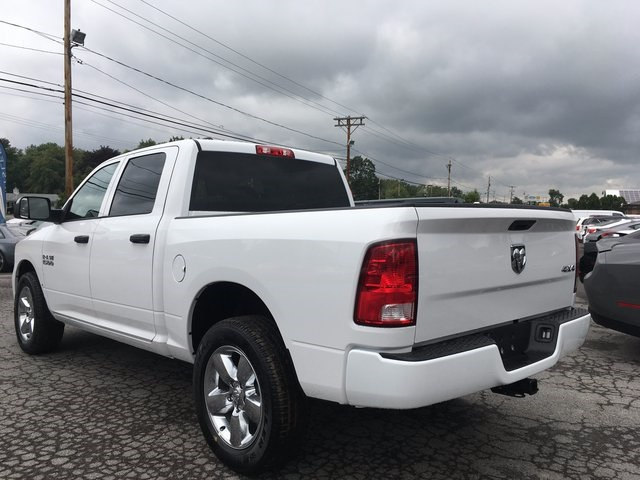 2017 Ram 1500 Crew Cab 4x4 Pickup #DT17685 - photo 4