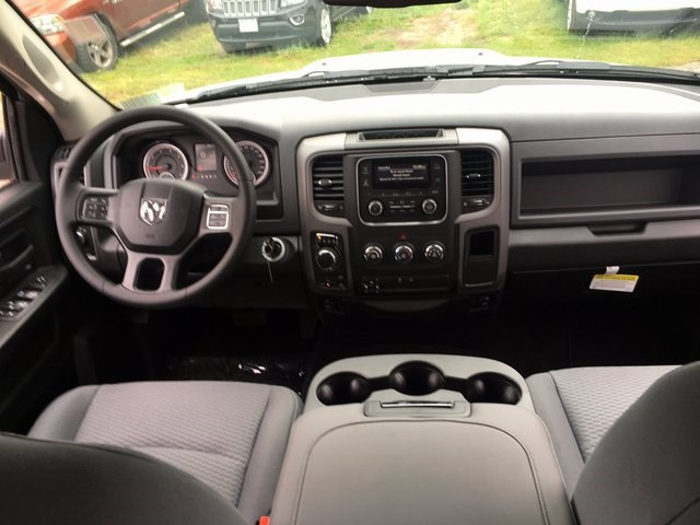 2017 Ram 1500 Crew Cab 4x4 Pickup #DT17685 - photo 10