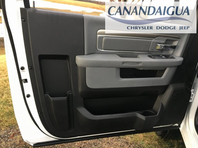 2018 Ram 3500 Regular Cab DRW 4x4, Cab Chassis #DT18192 - photo 26