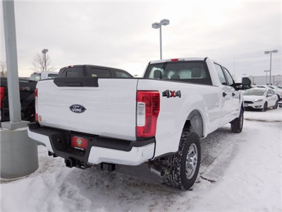 2017 F-350 Crew Cab 4x4, Pickup #F81141 - photo 2